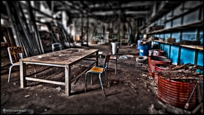 Tilt-Shift Chair